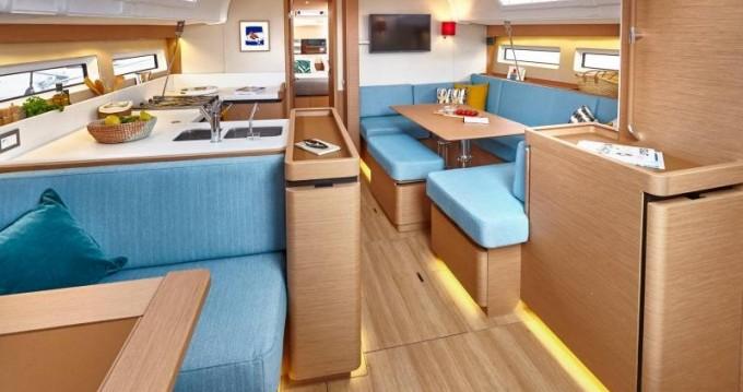 Boat rental Jeanneau Sun Odyssey 490 in Skiathos on Samboat