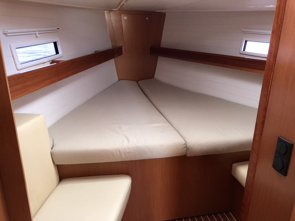 Hire Sailboat with or without skipper Bavaria Cagliari