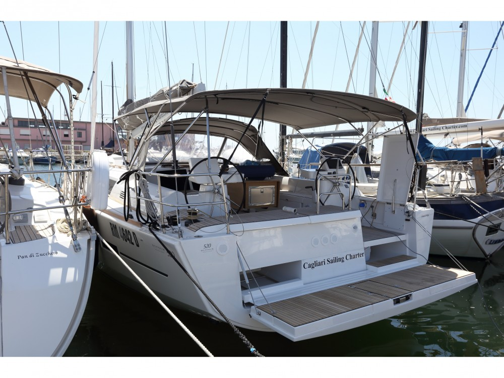Rental Sailboat in Golfo Aranci - Dufour Dufour 520 GL