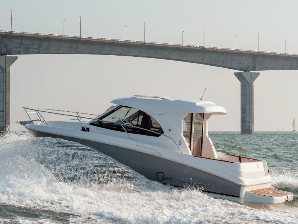 Boat rental Bénéteau Antares 8 in Grad Zadar on Samboat