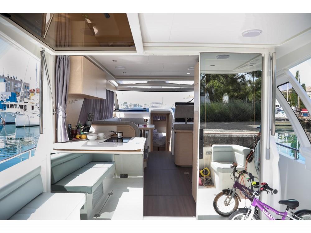 Rental yacht Grad Zadar - Greenline Greenline 39 on SamBoat