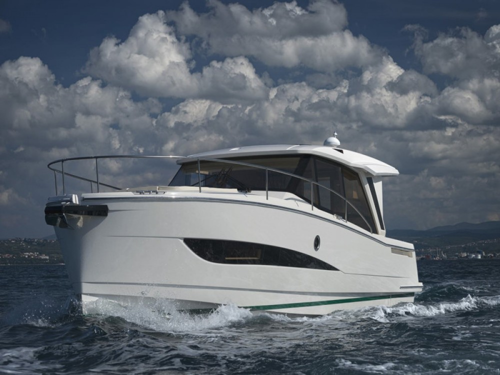 Hire Motorboat with or without skipper Greenline Grad Zadar