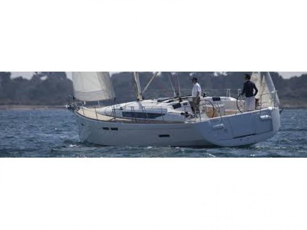 Boat rental Jeanneau JEANNEAU SO 449 in Sant Antoni de Portmany on Samboat