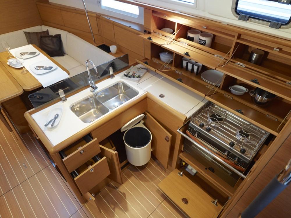 Rental Sailboat in Sant Antoni de Portmany - Jeanneau JEANNEAU SO 379