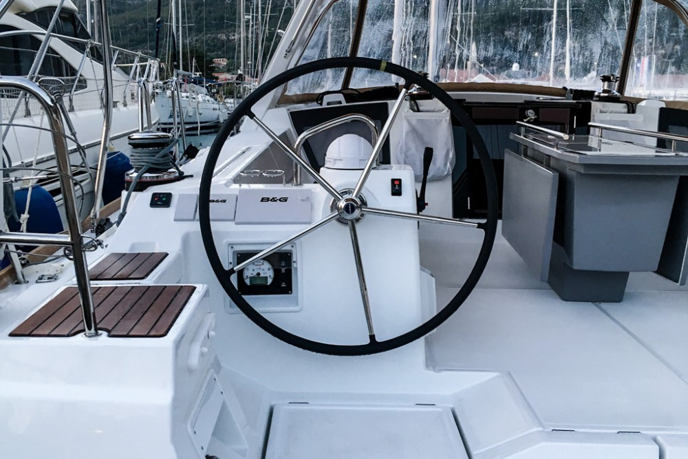 Rental Sailboat in Tivat - Bénéteau Oceanis 45 (4 cabs)
