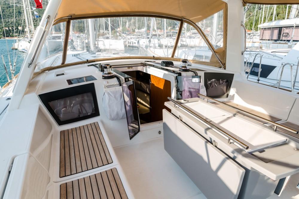 Boat rental Bénéteau Oceanis 45 (4 cabs) in Slano on Samboat