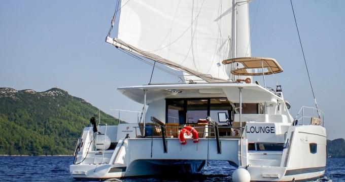 Rental Catamaran in Punat - Fountaine Pajot Helia 44
