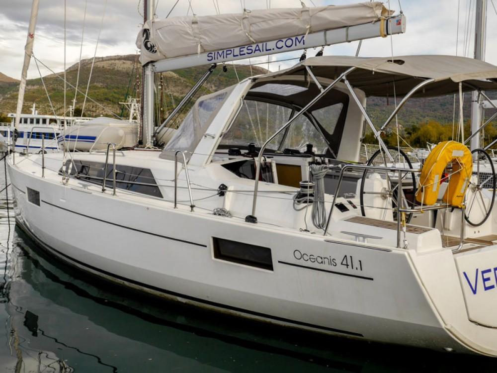 Boat rental Bénéteau Oceanis 41.1 in Tivat on Samboat