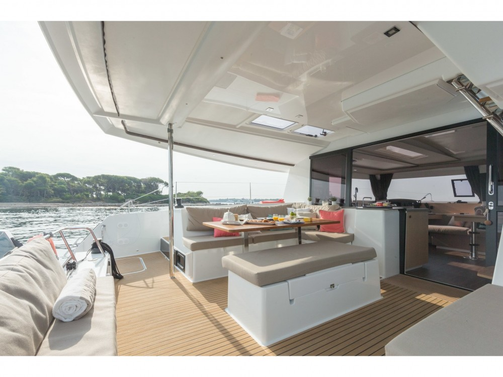 Boat rental Slano cheap Helia 44 (4 cabs)