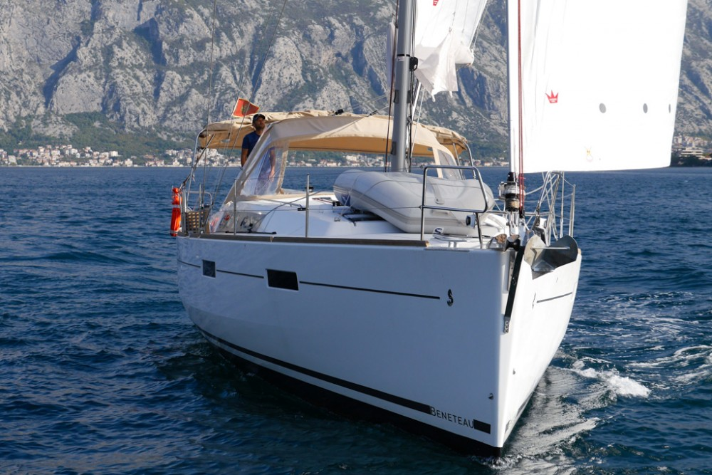 Bénéteau Oceanis 45 (4 cabs) between personal and professional Tivat