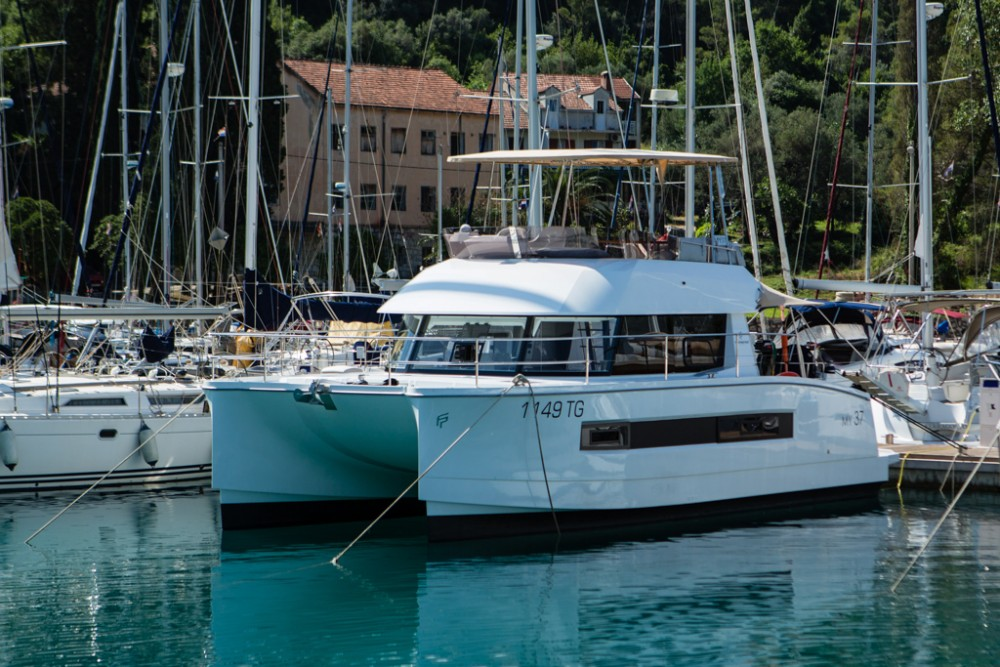 Rental yacht Slano - Fountaine Pajot Fountaine Pajot MY 37[G] on SamBoat