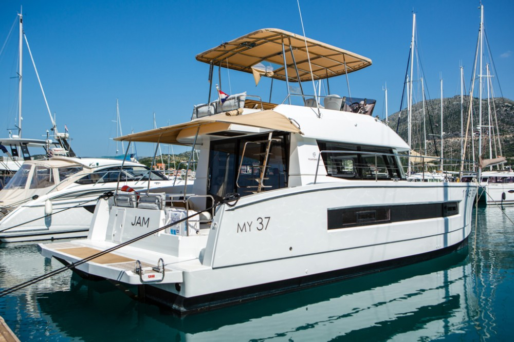 Boat rental Fountaine Pajot Fountaine Pajot MY 37[G] in Slano on Samboat