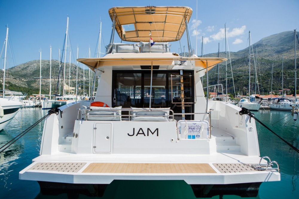 Rent a Fountaine Pajot Fountaine Pajot MY 37[G] Slano