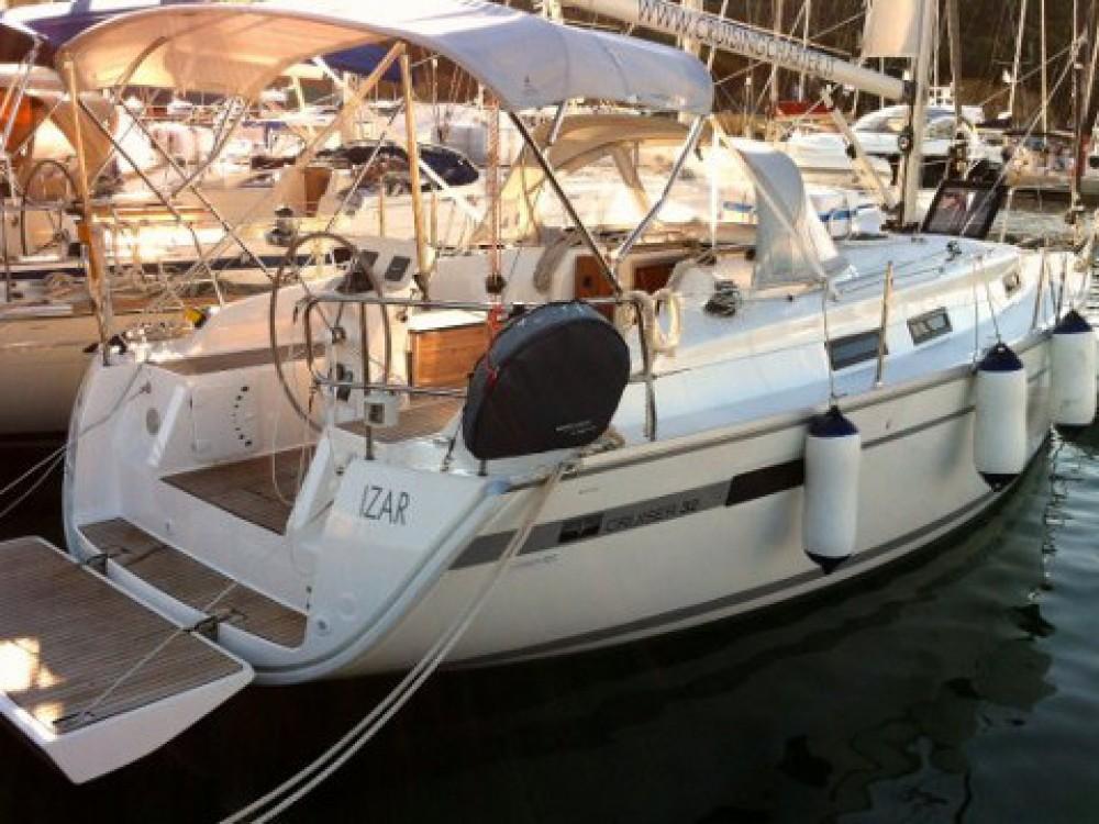 Rental yacht Marina di Portisco - Bavaria Bavaria Cruiser 32  on SamBoat