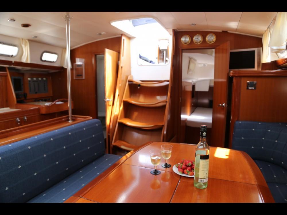 Rental Sailboat in  - Bénéteau Beneteau Oceanis 523