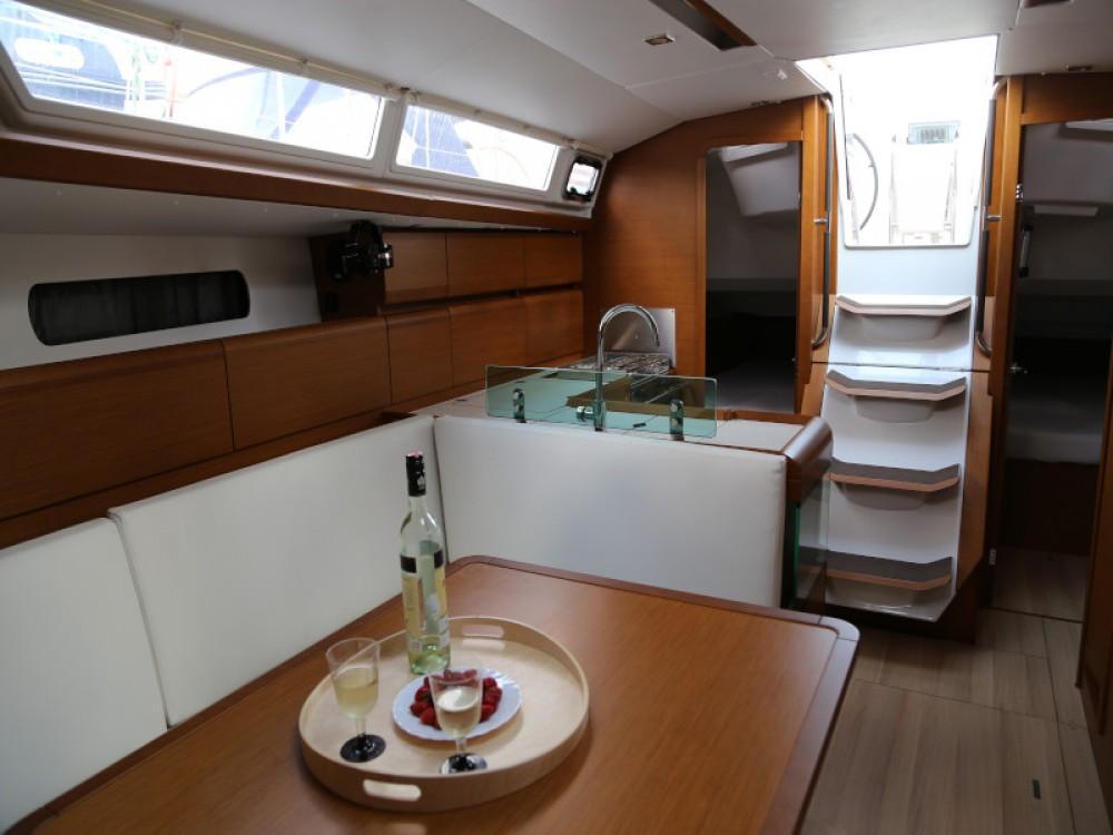 Rental yacht Marina Kaštela - Jeanneau Sun Odyssey 419 on SamBoat