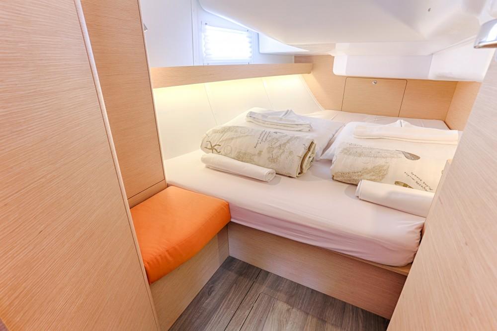 Boat rental Elan Elan 40 Impression in Split on Samboat
