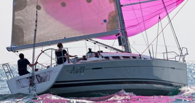 Rental Sailboat in Marina di Portisco - Bénéteau First 35