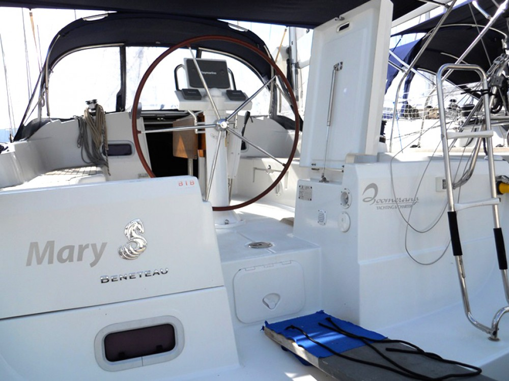 Rental Sailboat in Olbia - Bénéteau Oceanis 37