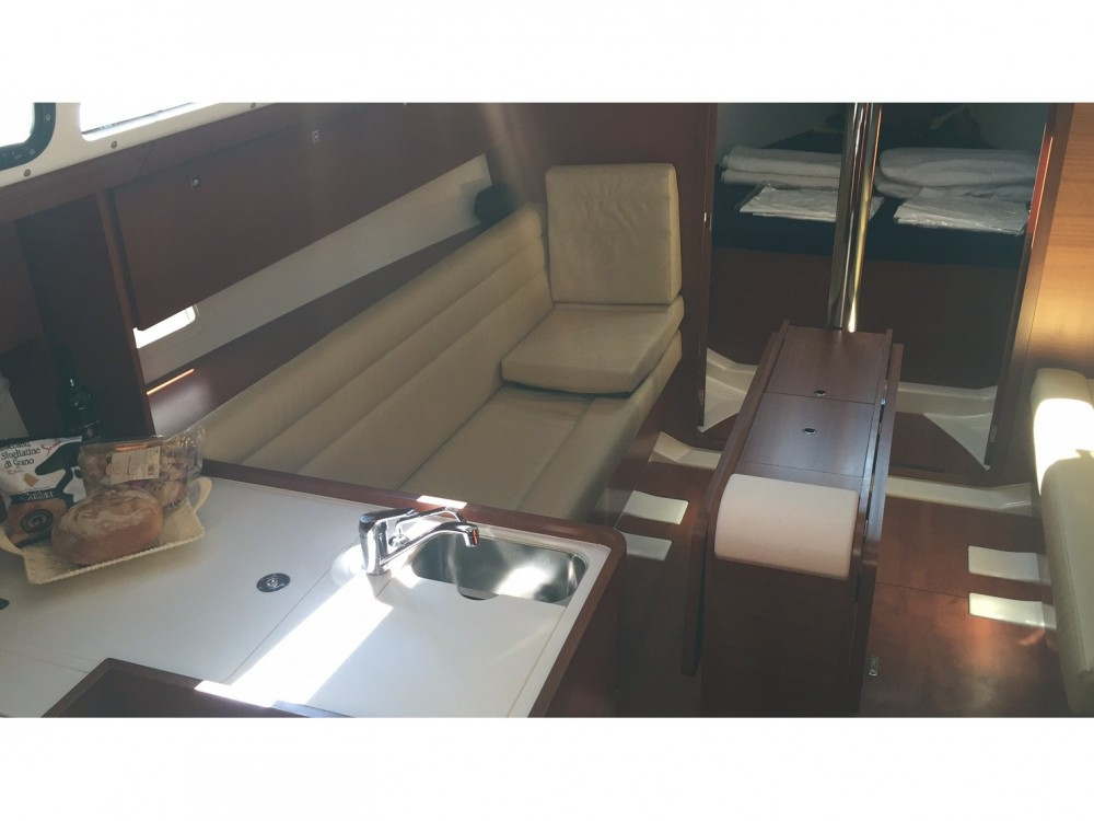 Dufour Dufour 350 GL between personal and professional