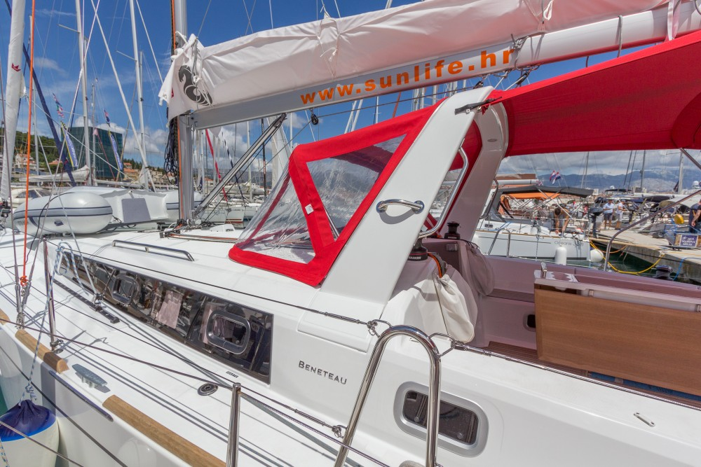 Rental yacht ACI Marina Split - Bénéteau Oceanis 38.1 on SamBoat