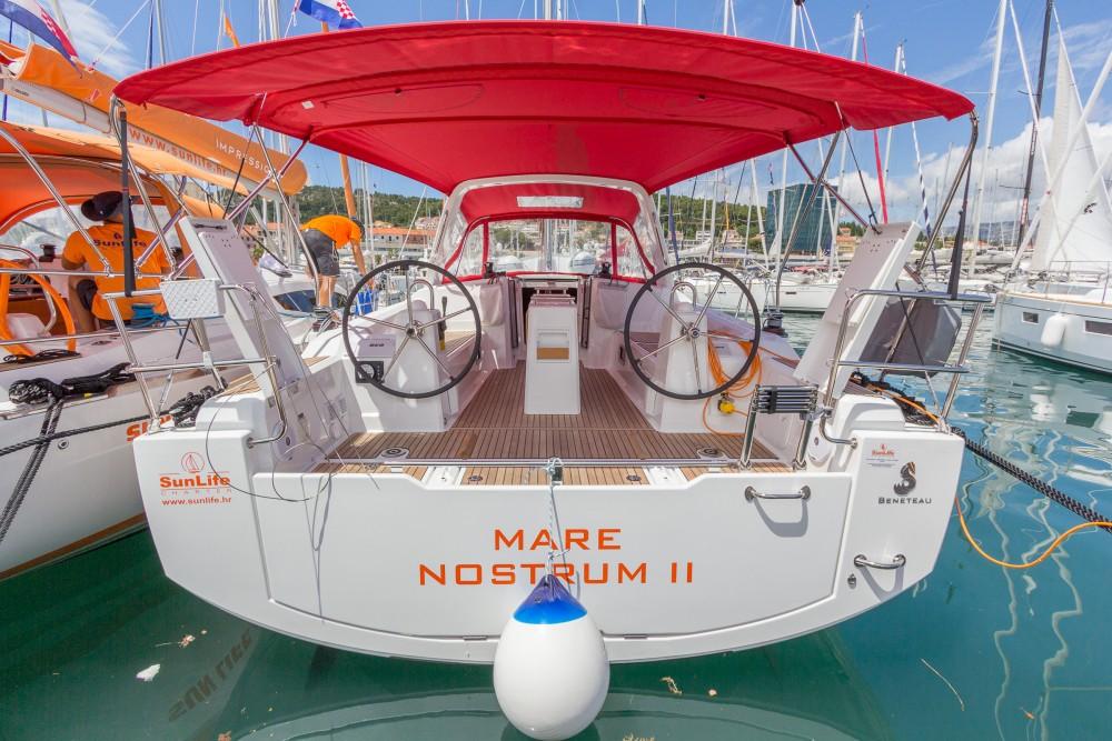 Boat rental Bénéteau Oceanis 38.1 in ACI Marina Split on Samboat