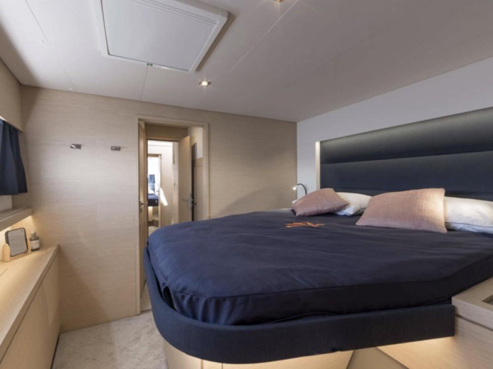 Boat rental Lávrio cheap Saona 47 - 5 cabin version
