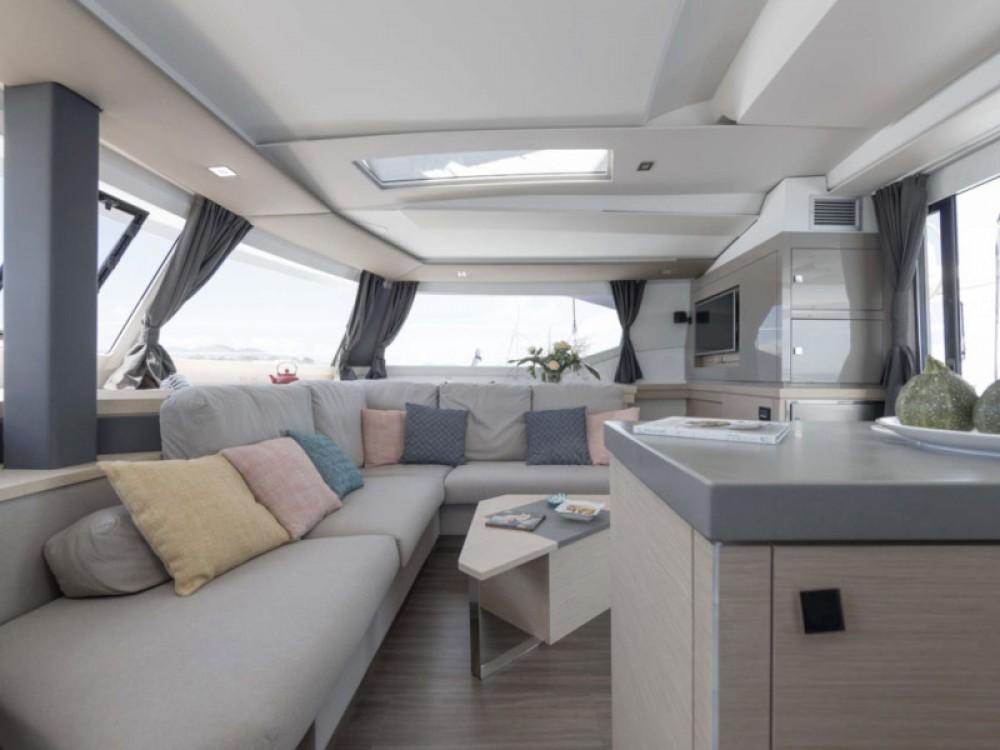 Rental Catamaran in Lávrio - Fountaine Pajot Saona 47 - 5 cabin version