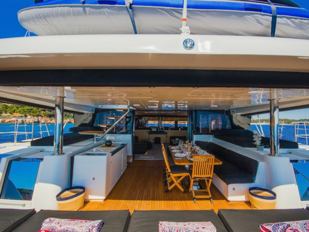 Rental yacht Alimos Marina - Lagoon Lagoon 62 - 4 cabin version on SamBoat