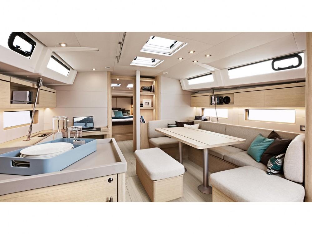 Bénéteau Oceanis 46.1 - 3 cabin version between personal and professional Marina Gouvia