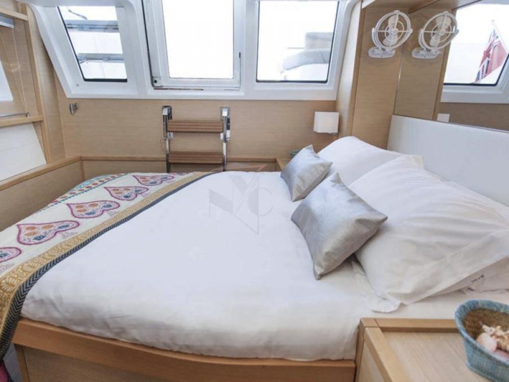 Boat rental Alimos Marina cheap Lagoon 62 - 5 cabin version