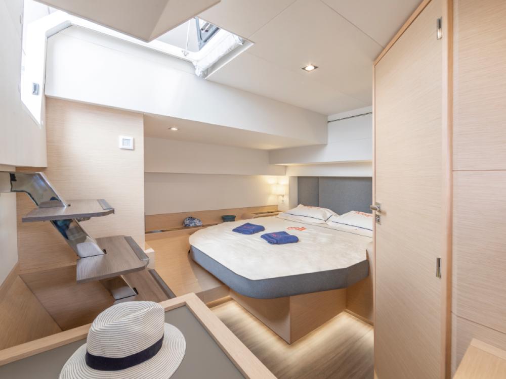 Rental yacht Alimos Marina - Fountaine Pajot Alegria 67 on SamBoat