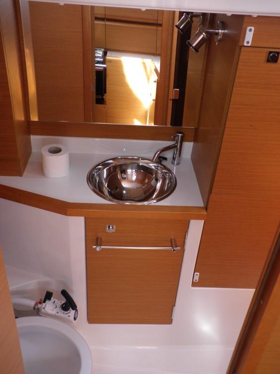Boat rental Jeanneau Sun odyssey 379 performance in Sukošan on Samboat