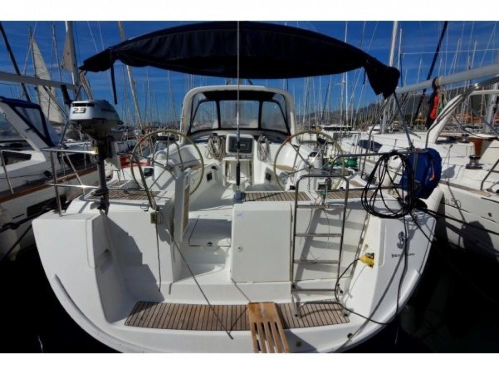 Boat rental Bénéteau Oceanis 50 Family in Sukošan on Samboat
