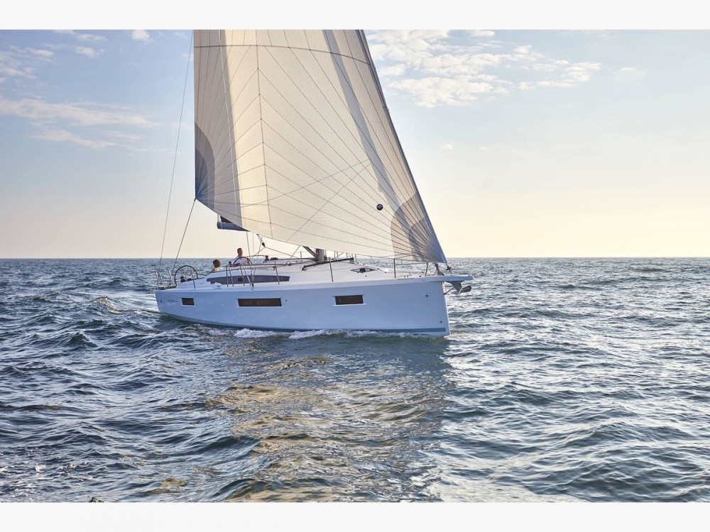 Jeanneau Sun Odyssey 410 between personal and professional