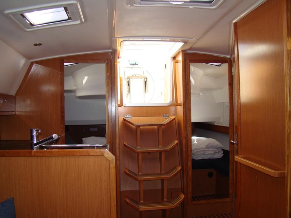 Boat rental Bavaria Bavaria Cruiser 36  in Grad Biograd na Moru on Samboat