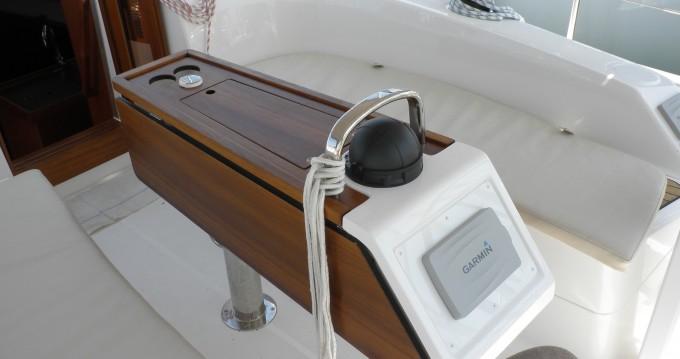 Boat rental Bavaria Cruiser 34 in Sukošan on Samboat