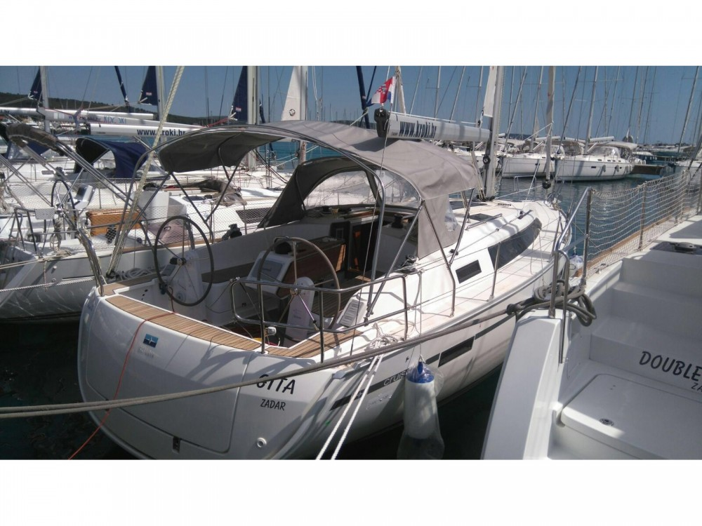 Rental Sailboat in Sukošan - Bavaria Bavaria Cruiser 37