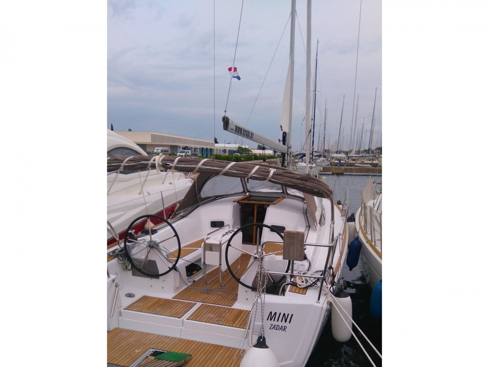 Rental Sailboat in Sukošan - Jeanneau Sun Odyssey 349