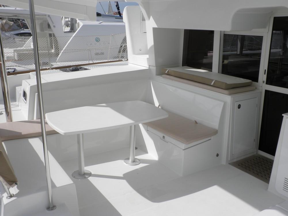 Boat rental Lagoon Lagoon 450 in Sukošan on Samboat