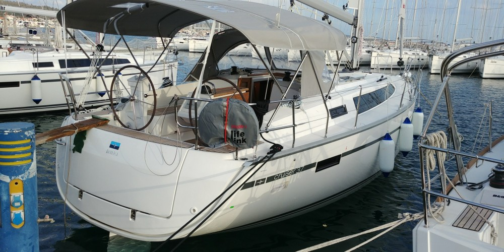 Bavaria Bavaria Cruiser 37 between personal and professional Sukošan