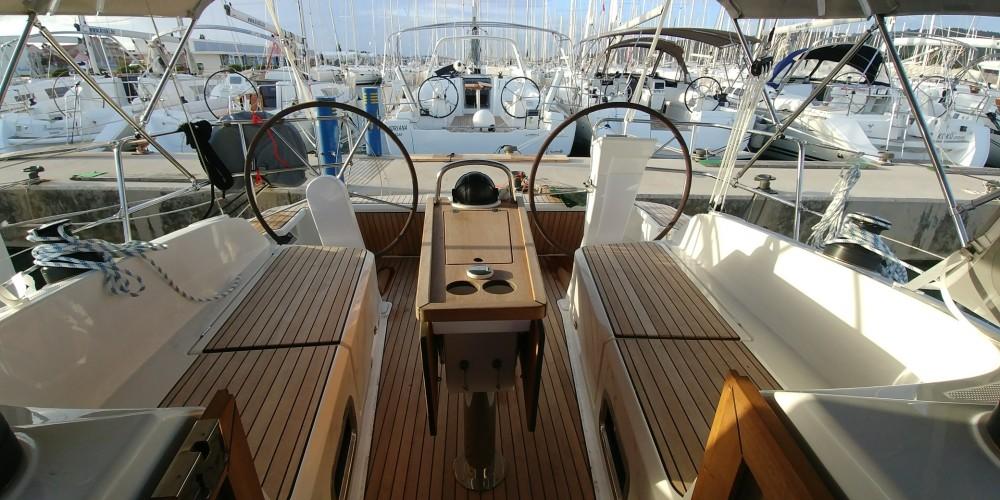 Boat rental Sukošan cheap Bavaria Cruiser 37