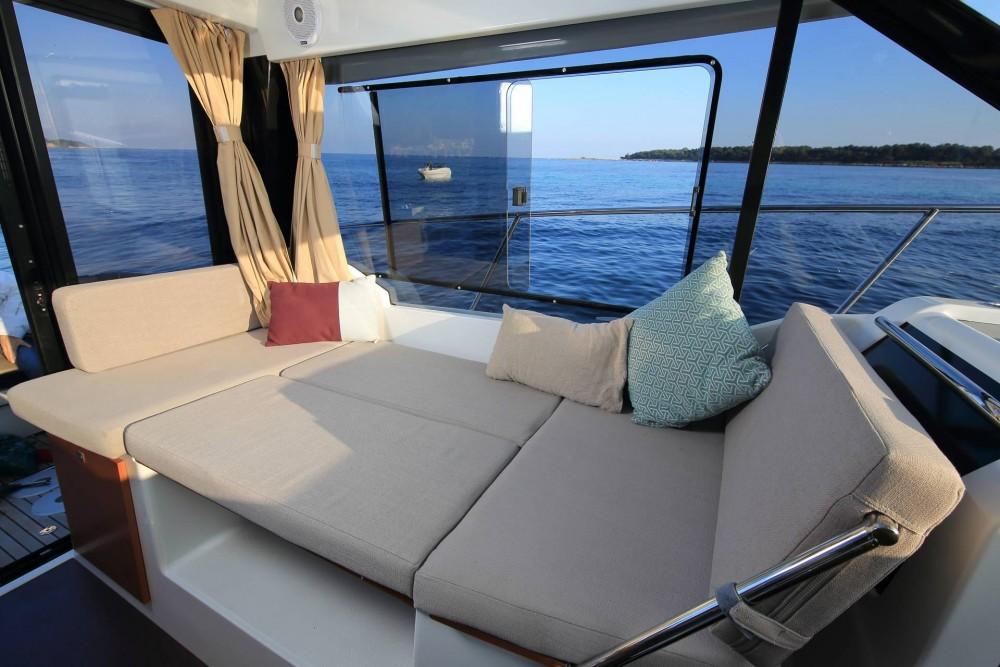 Rental yacht Sukošan - Jeanneau Merry Fisher 895 on SamBoat