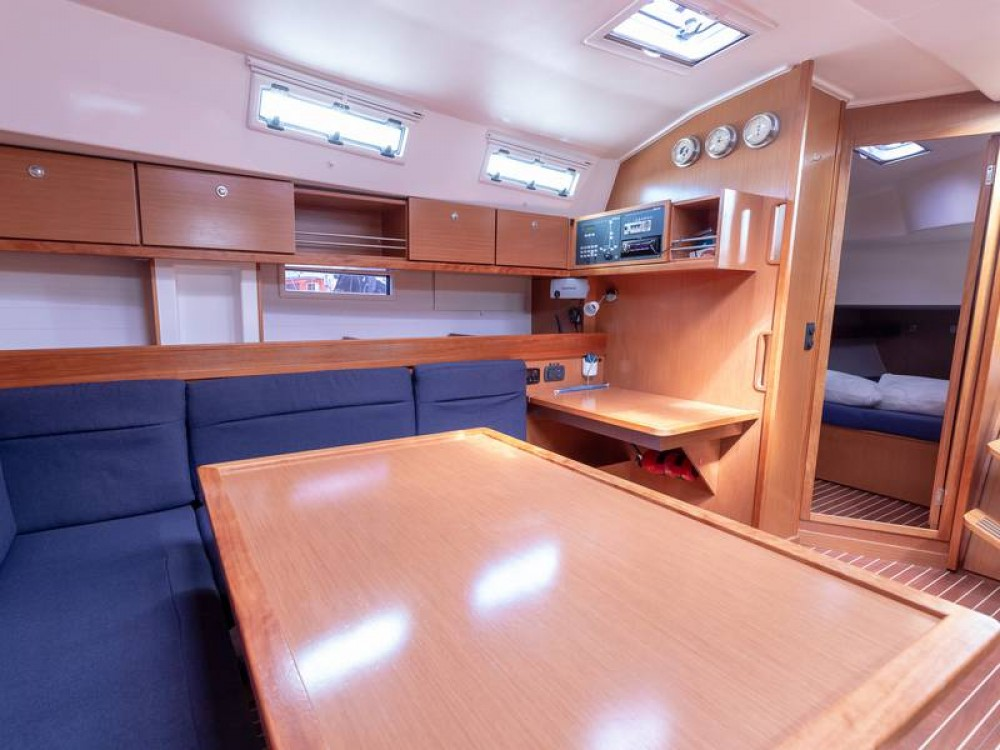 Boat rental Bavaria Bavaria 45 Cruiser in Piombino on Samboat