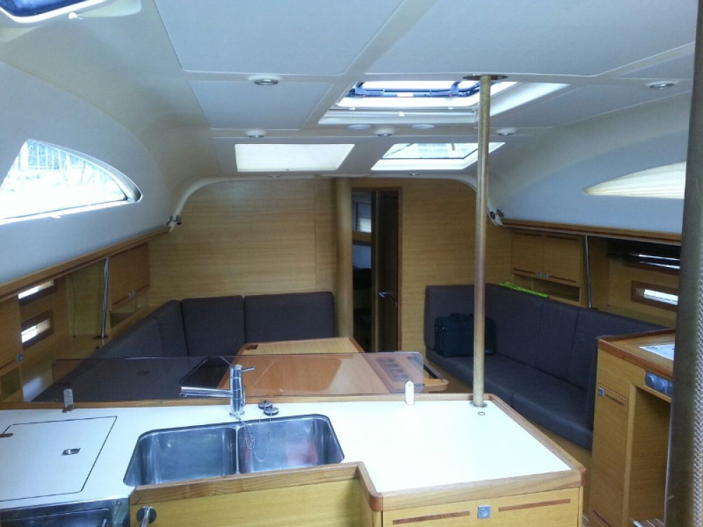 Hire Sailboat with or without skipper Elan Piombino