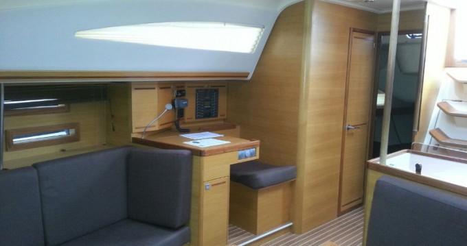 Boat rental Elan Impression 444 in Salivoli on Samboat