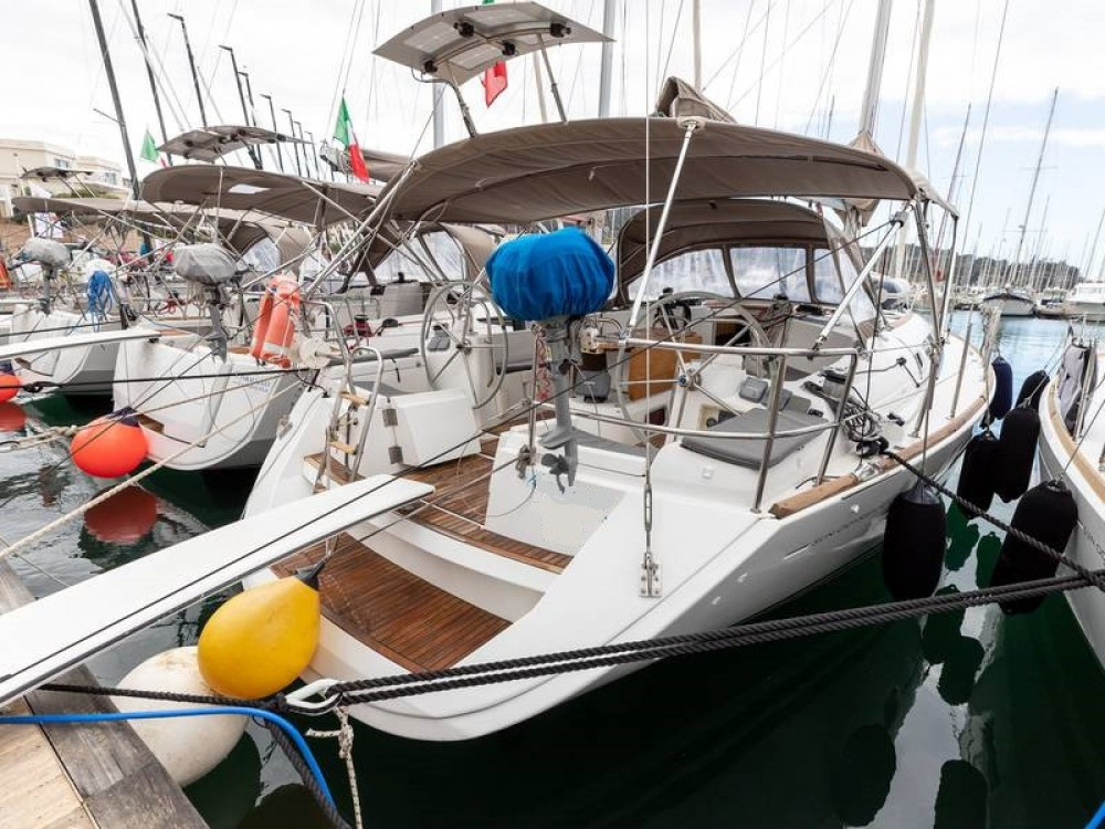 Jeanneau Sun Odyssey 44 i between personal and professional Piombino