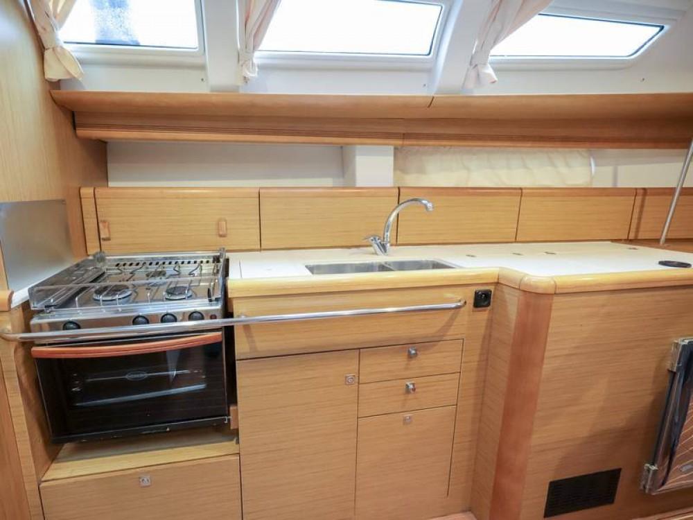 Rental yacht Piombino - Jeanneau Sun Odyssey 44 i on SamBoat