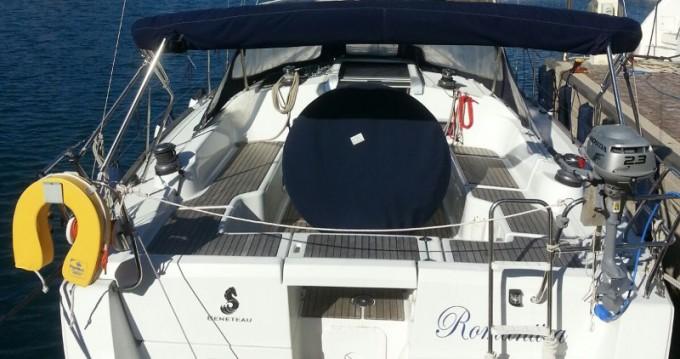 Boat rental Bénéteau Oceanis 37 in Salivoli on Samboat