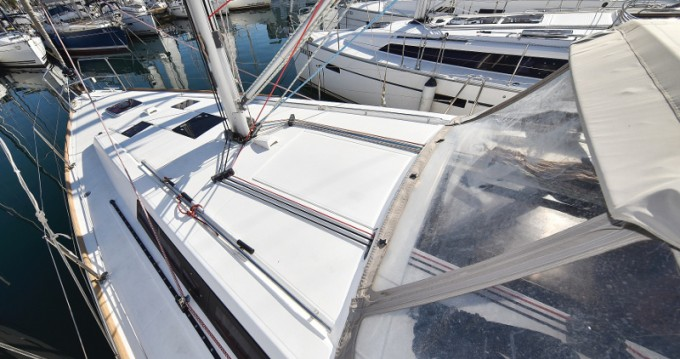 Boat rental Bénéteau Oceanis 41 in Zadar on Samboat